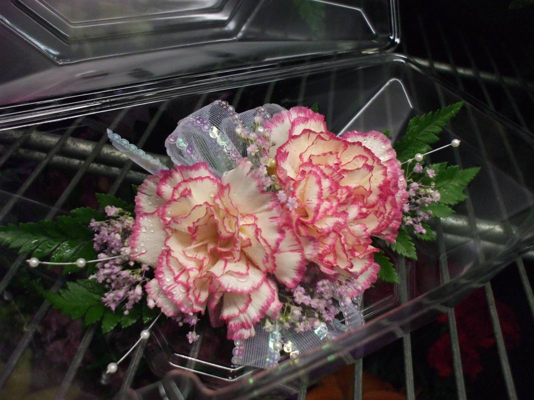 Prom Corsages Boutonnieres Turner Flowers Country Store